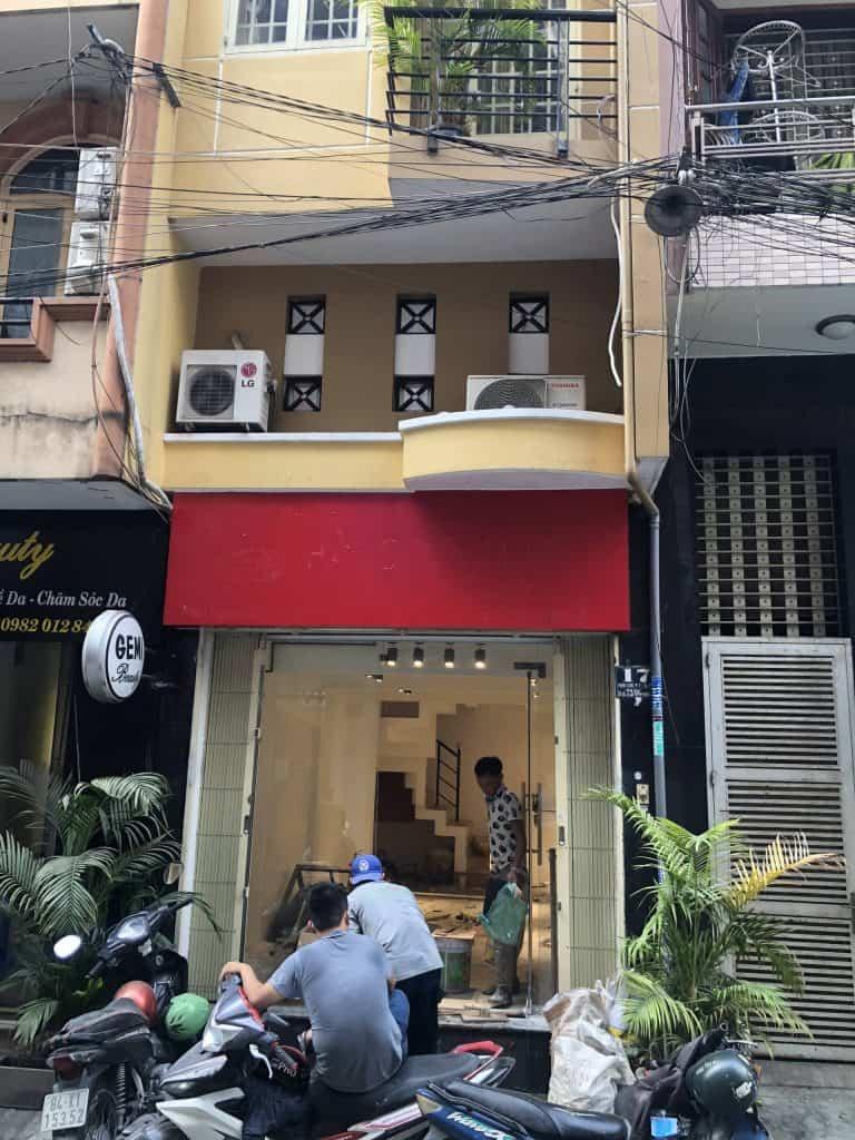 Cải Tạo Shop Thú Cưng Ở Quận Phú Nhuận (nền, sàn, sơn nước, đèn trang trí) 1