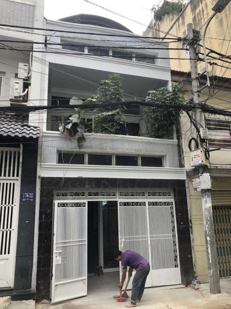 Chống thấm cải tạo tolet và xây thêm phòng sân thượng ở Phú Nhuận 6