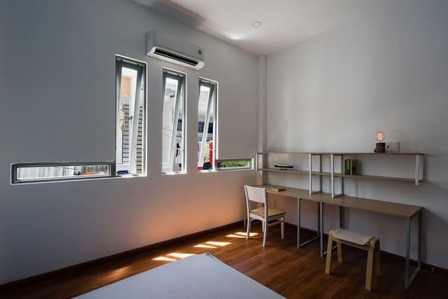Không gian phòng ngủ của nhà ở số 2 sau khi cải tạo trở nên tinh tế và sang trọng