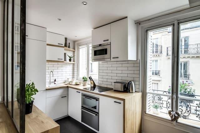 Phòng bếp của ngôi nhà số 2 sau khi cải tạo trở nên tiện nghi hơn