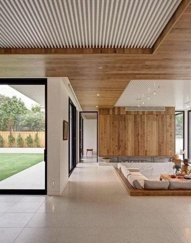 Trần nhà gỗ đang được khách hàng yêu thích bởi nét đẹp sang trọng