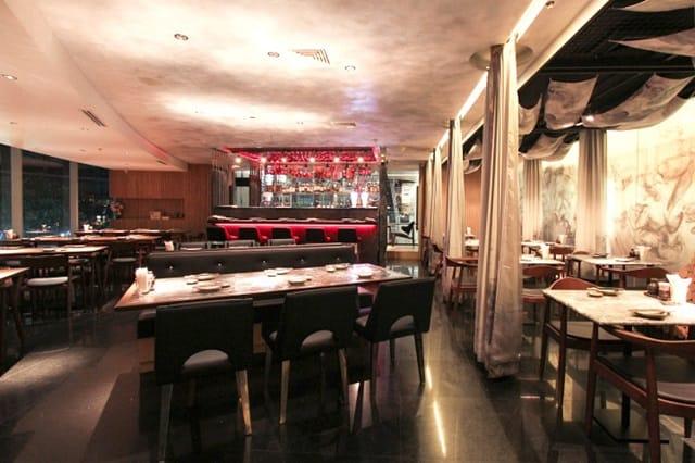 Nhà hàng thiết kế với gian bếp ở phía sau để đảm bảo mang đến cho thực khách không gian thưởng thức riêng tư nhất