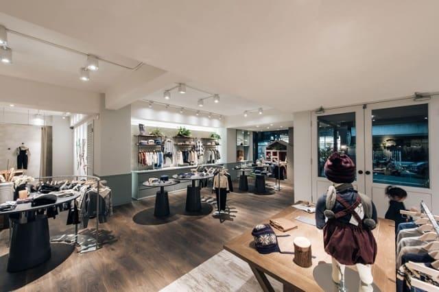 33 mẫu thiết kế cửa hàng đẹp ấn tượng nhất 29