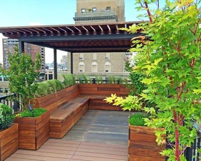 Thiết kế một sân vườn bé xinh cho ban công