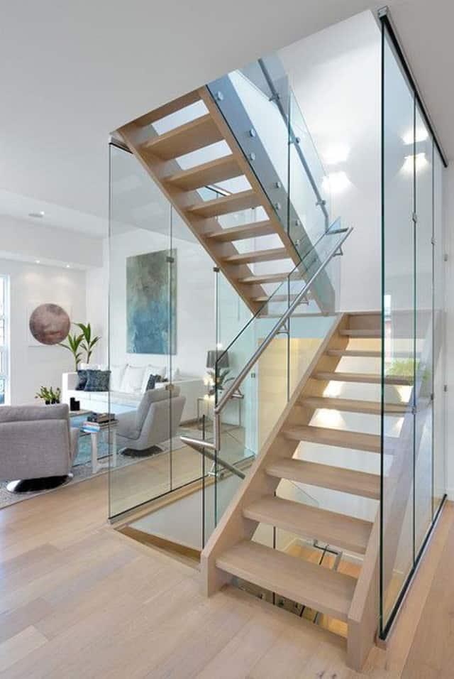 Một mẫu cầu thang gỗ sang trọng cho ngồi nhà bằng gỗ