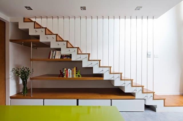Cầu thang chữ L bằng gỗ tôn nét đẹp ngôi nhà