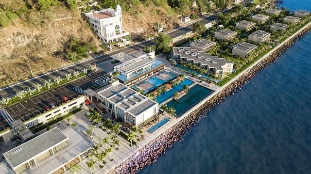 33 mẫu thiết kế hồ bơi đẹp ấn tượng nhất 30