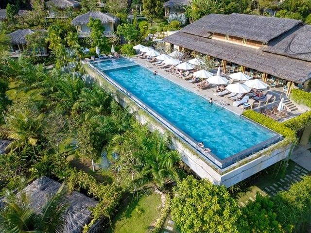 33 mẫu thiết kế hồ bơi đẹp ấn tượng nhất 1