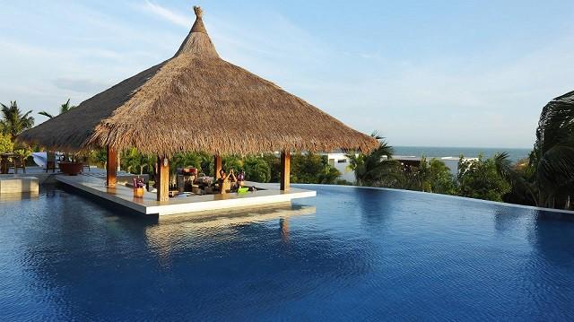 33 mẫu thiết kế hồ bơi đẹp ấn tượng nhất 22