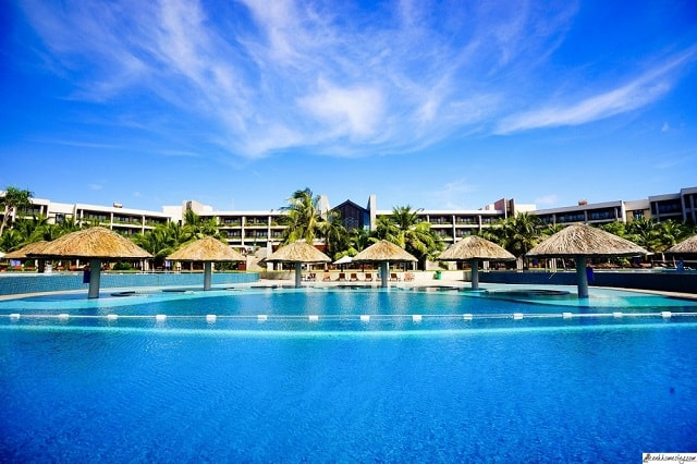 33 mẫu thiết kế hồ bơi đẹp ấn tượng nhất 23