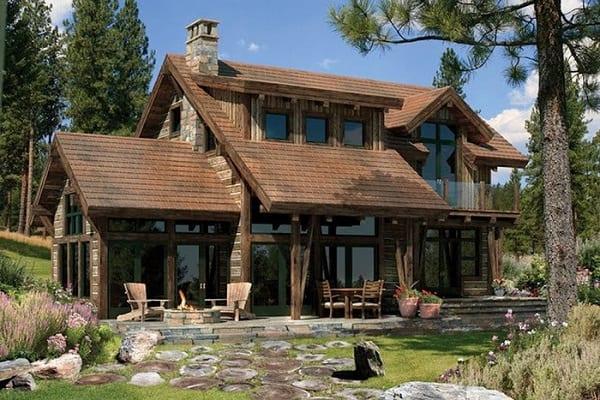 Nhà gỗ sang trọng với kiến trúc pha kính lạ mắt