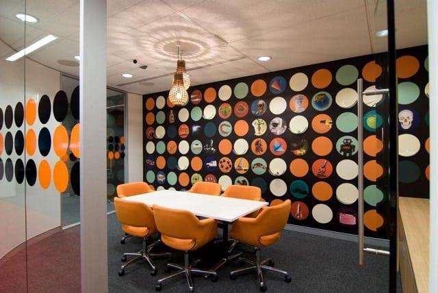 Phòng họp theo lối tư duy mới mẻ lấy màu xanh làm chủ đạo