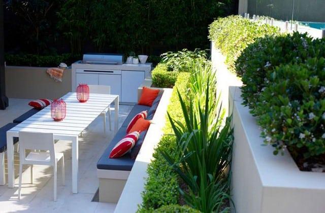 Mẫu thiết kế sân vườn 2 tầng giành cho các ngôi biệt thự
