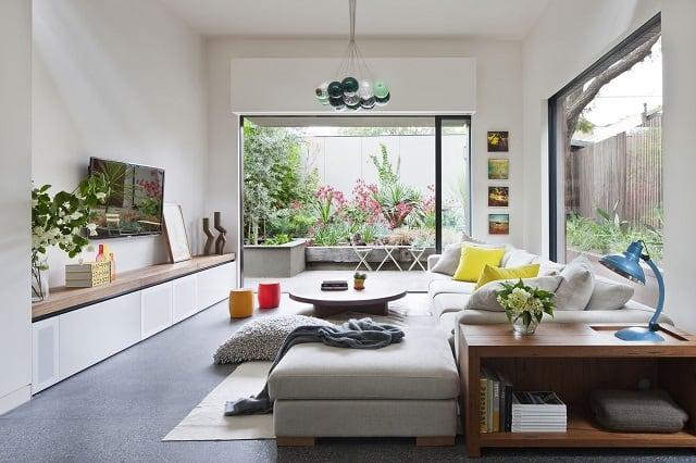 Thiết kế bằng của kính để tạo cho ngôi nhà không gian thoáng đãng hơn