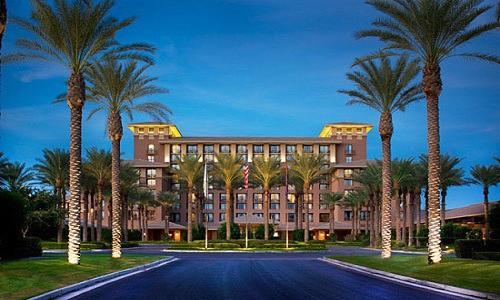 Diện tích của khách sạn không lớn nhưng vẫn được xây dựng với nhiều tầng, mang đến không gian sinh hoạt thuận tiện