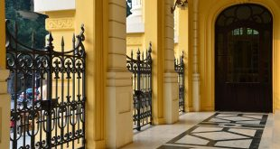 Có cần xin giấy phép xây dựng khi làm cổng, hàng rào bao quanh không? 1