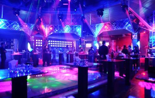 Không gian của quán Bar mang phong cách thiết kế sang trọng, tiện nghi