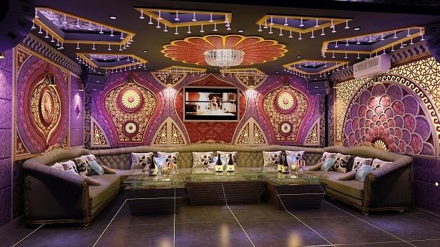 Phong cách thiết kế của phòng Karaoke theo xu hướng cổ điển với màu sắc tối giản và hạn chế ánh đèn sặc sỡ