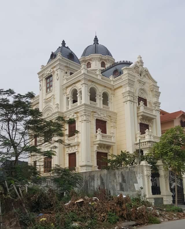 Phong cách kiến trúc nhà tân cổ điển luôn mang lại cảm giác sang trọng, đẳng cấp