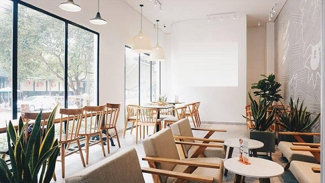 Quán café hiện lên với hình ảnh xinh xắn, tươi mới và rất hiện đại