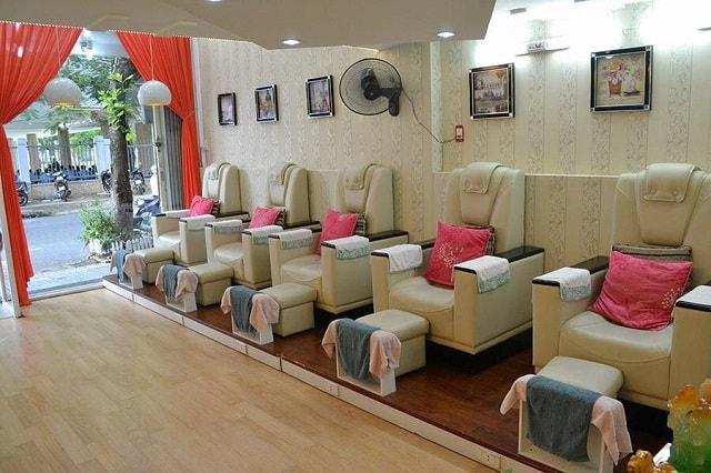 Tiệm Nail được thiết kế nhằm mang đến cho khách hàng cảm giác thoải mái nhất khi sử dụng các dịch vụ tại đây
