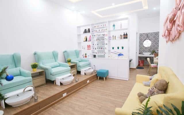 Trang trí tiệm Nail theo chủ đề cũng là cách để gây ấn tượng với khách hàng của mình