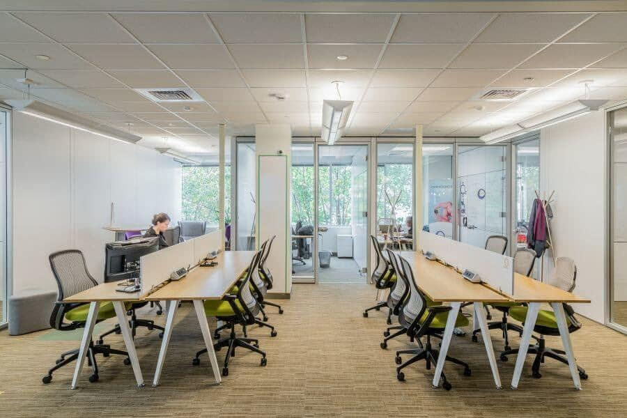 Văn phòng làm việc được thiết kế với các góc làm việc độc đáo, mang tính khoa học