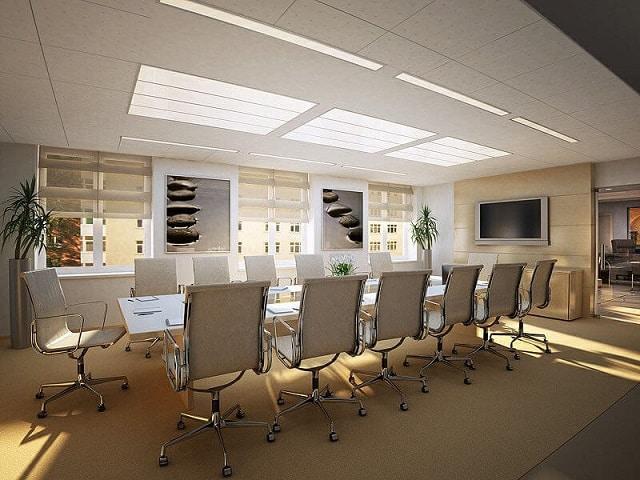 Không gian phòng làm việc được thiết kế với những chi tiết hiện đại, đơn giản tạo nét thoáng mát