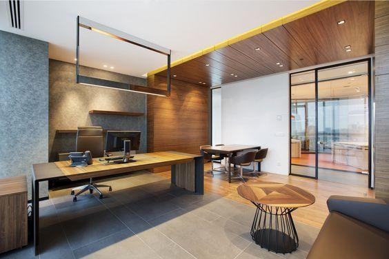 Phòng làm việc có không gian nhỏ nhưng nhờ được thiết kế gọn gàng nên vẫn đảm bảo sự thoáng đãng
