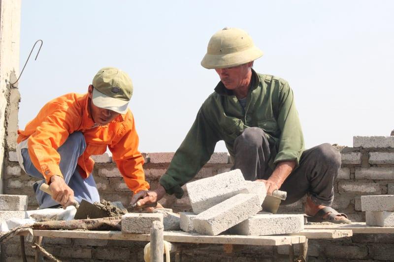 Báo Giá Thuê Thợ Hồ, Thợ Phụ Thi Công Xây Dựng Ở HCM 4