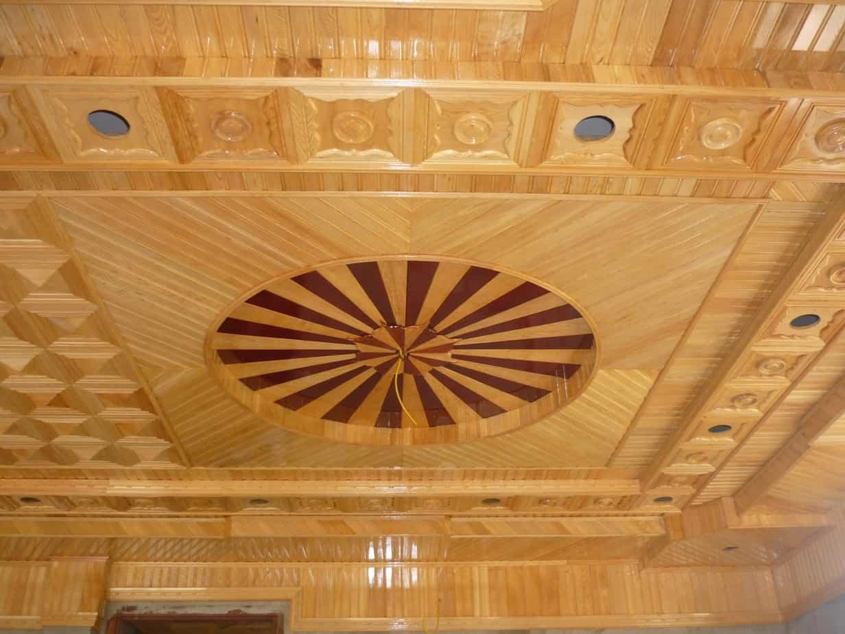 thi công trần gỗ sồi nga