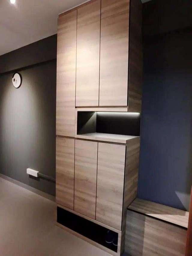 Thiết kế tủ để giày cao cho căn hộ chung cư