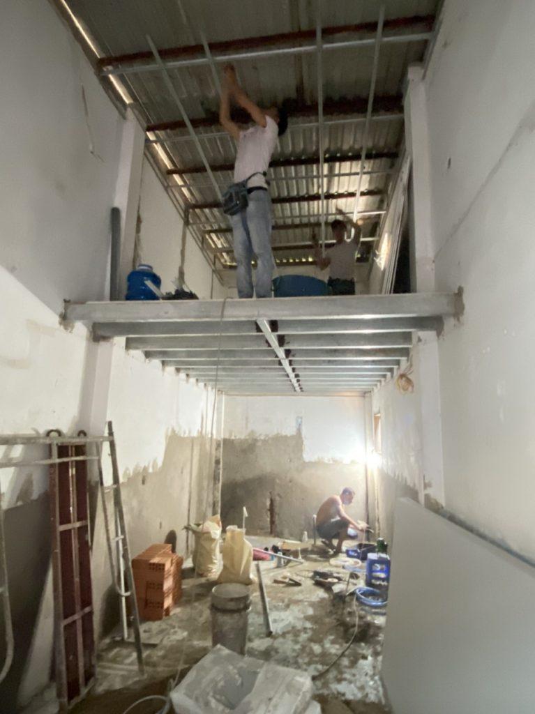 Hình ảnh lắp khung mái nhà Sửa Chữa Cải Tạo Nâng Tầng Cemboard Thái Lan quận 7